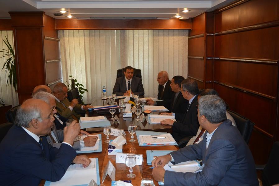 اجتماع مجلس إدارة الصندوق برئاسة وزير القوى العاملة (4)