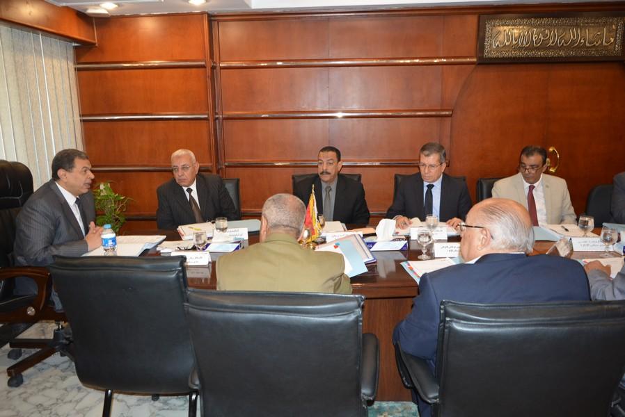 اجتماع مجلس إدارة الصندوق برئاسة وزير القوى العاملة (5)