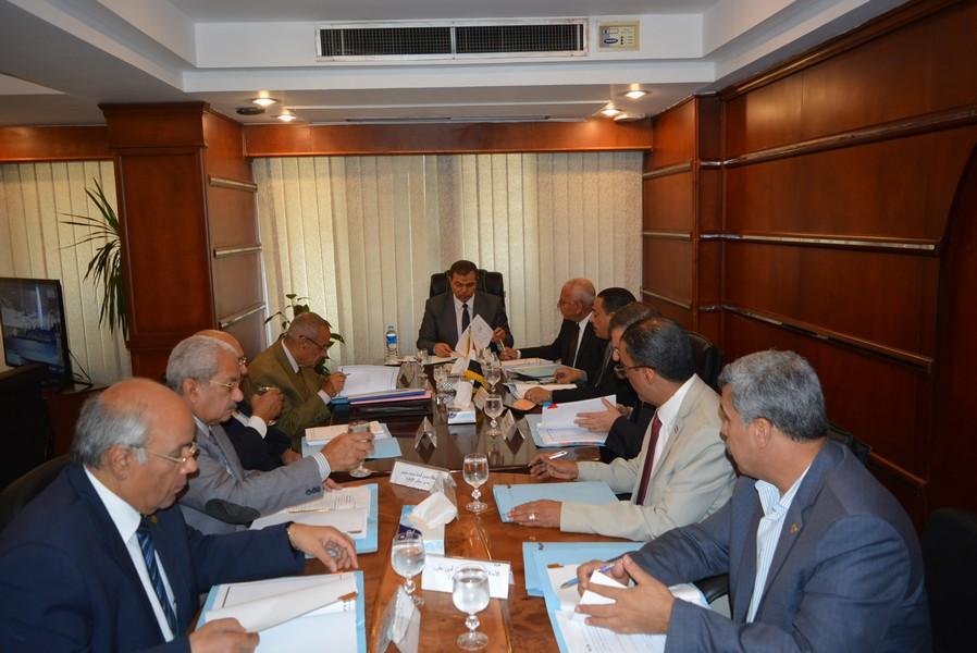 اجتماع مجلس إدارة الصندوق برئاسة وزير القوى العاملة (3)