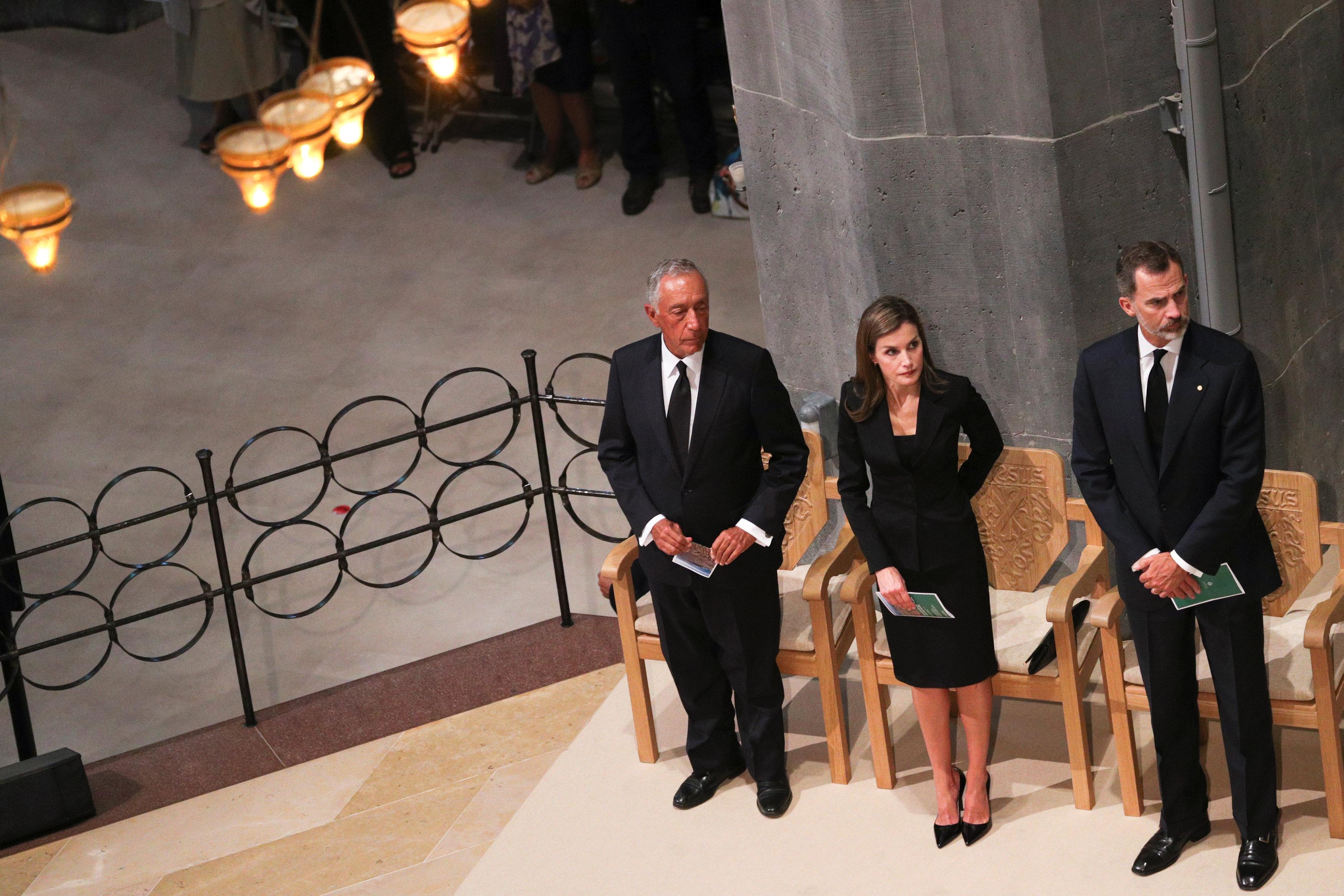 الرئيس البرتغالى يشارك فى تأبين ضحايا برشلونه وكامبريلس