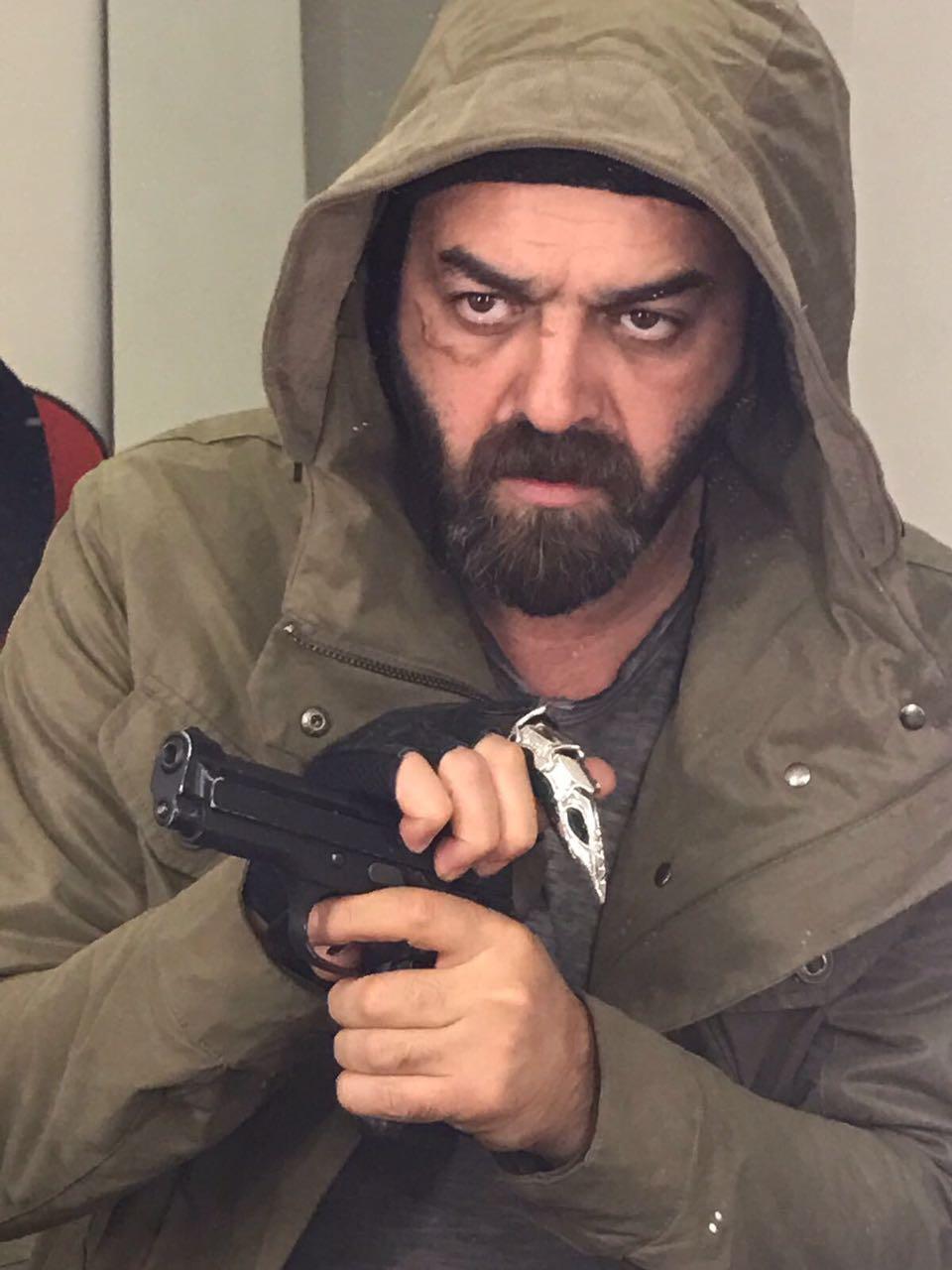 الفنان السورى سامر المصرى فى دور قائد الحركات الجهادية بفيلم الخلية (1)
