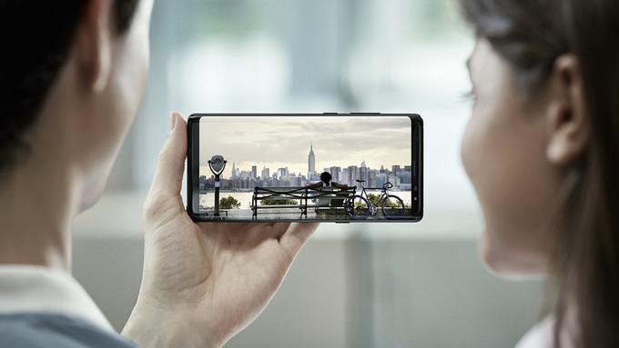 شركة سامسونج الكورية تكشف عن هاتف نوت 8 الجديد في نيويورك