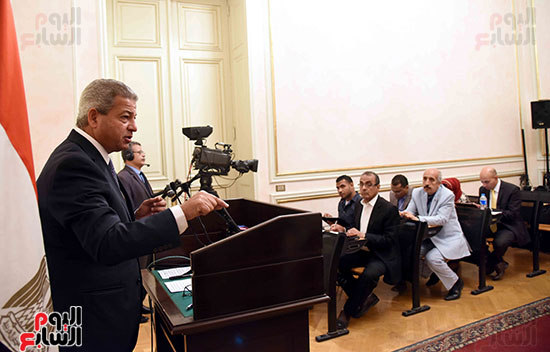 خالد عبد العزيز، وزير الشباب والرياضة (1)