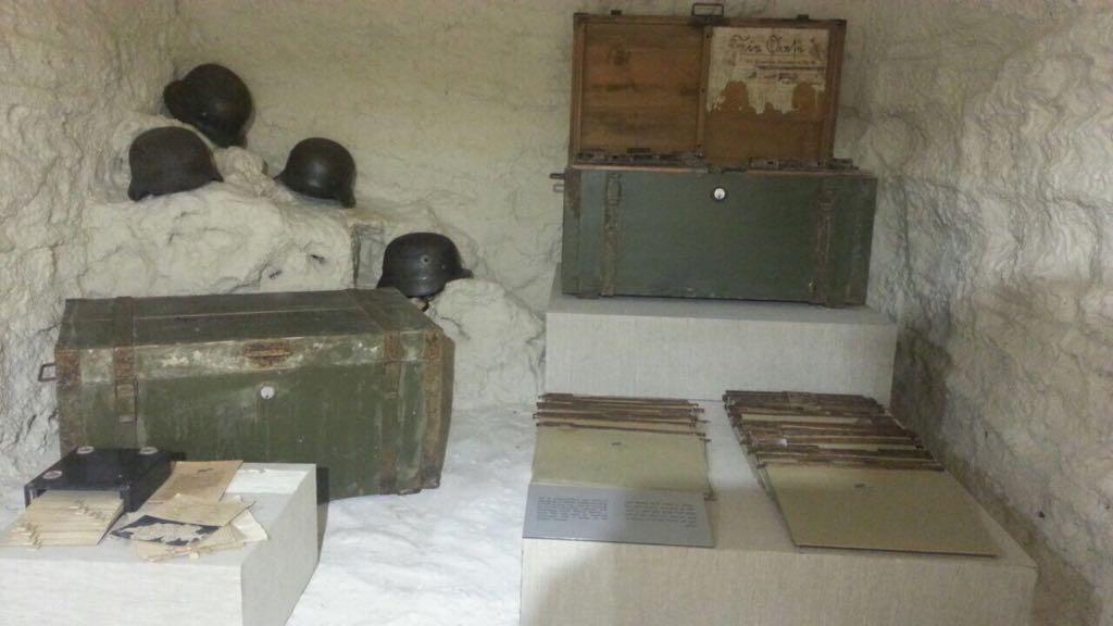 متحف كهف روميل فى مطروح (3)