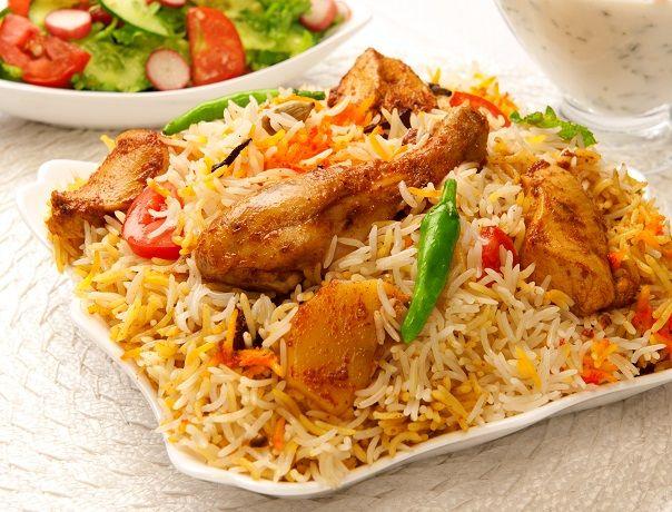طريقة عمل صينية الرز بالبسلة والفراخ (4)