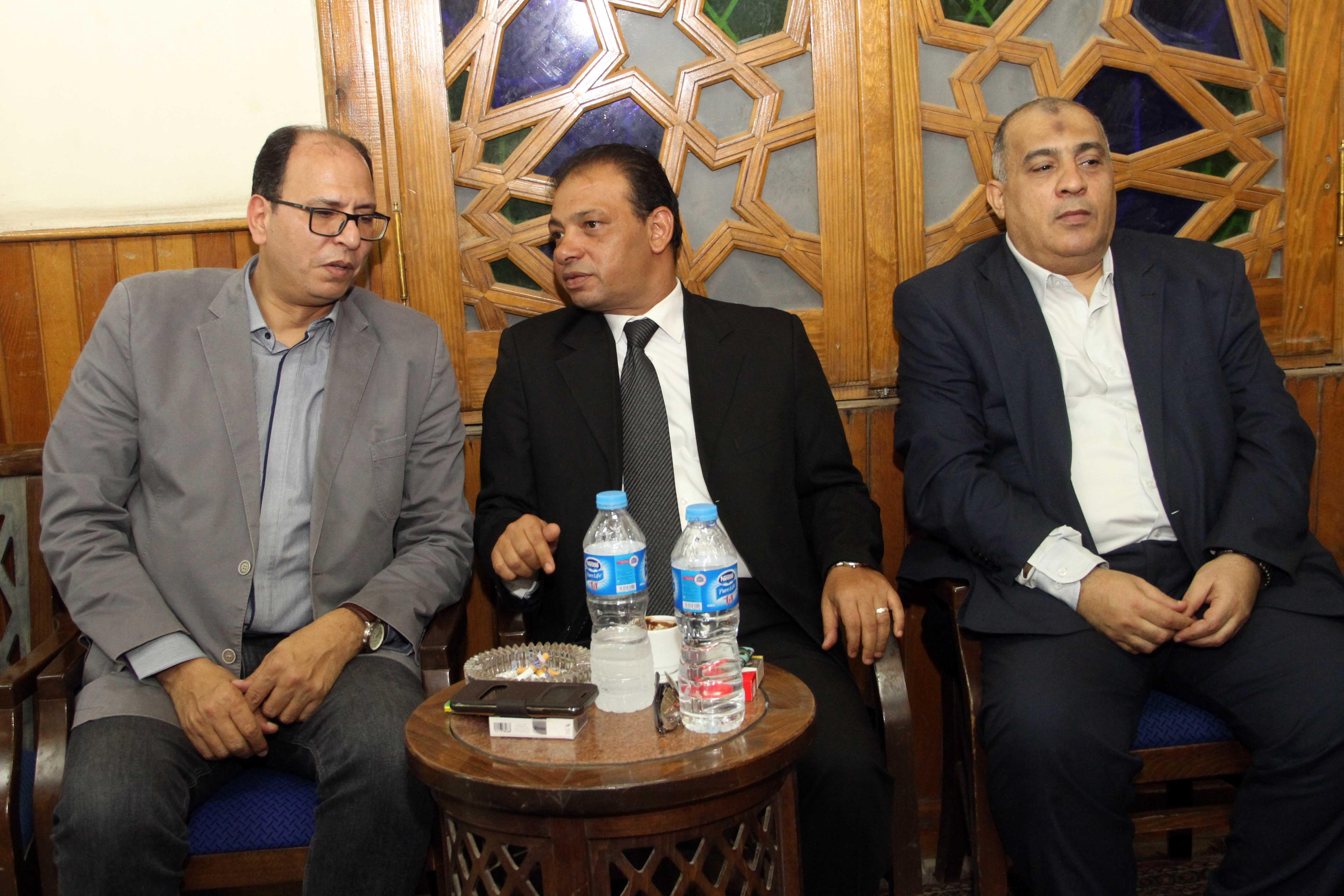 اسامة بهنسى ومجدى لاشين والكاتب الصحفى الكبير عادل السنهورى