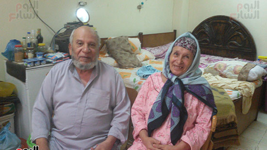 الزوجان فى غرفتهما بدار المسنين