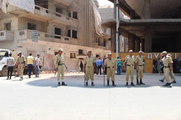 5 قوات الأمن تؤمن المنطقة