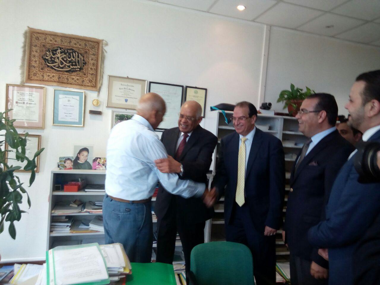 الدكتور على عبد العال رئيس مجلس النواب والدكتور محمد غنيم رائد زراعة الكلى