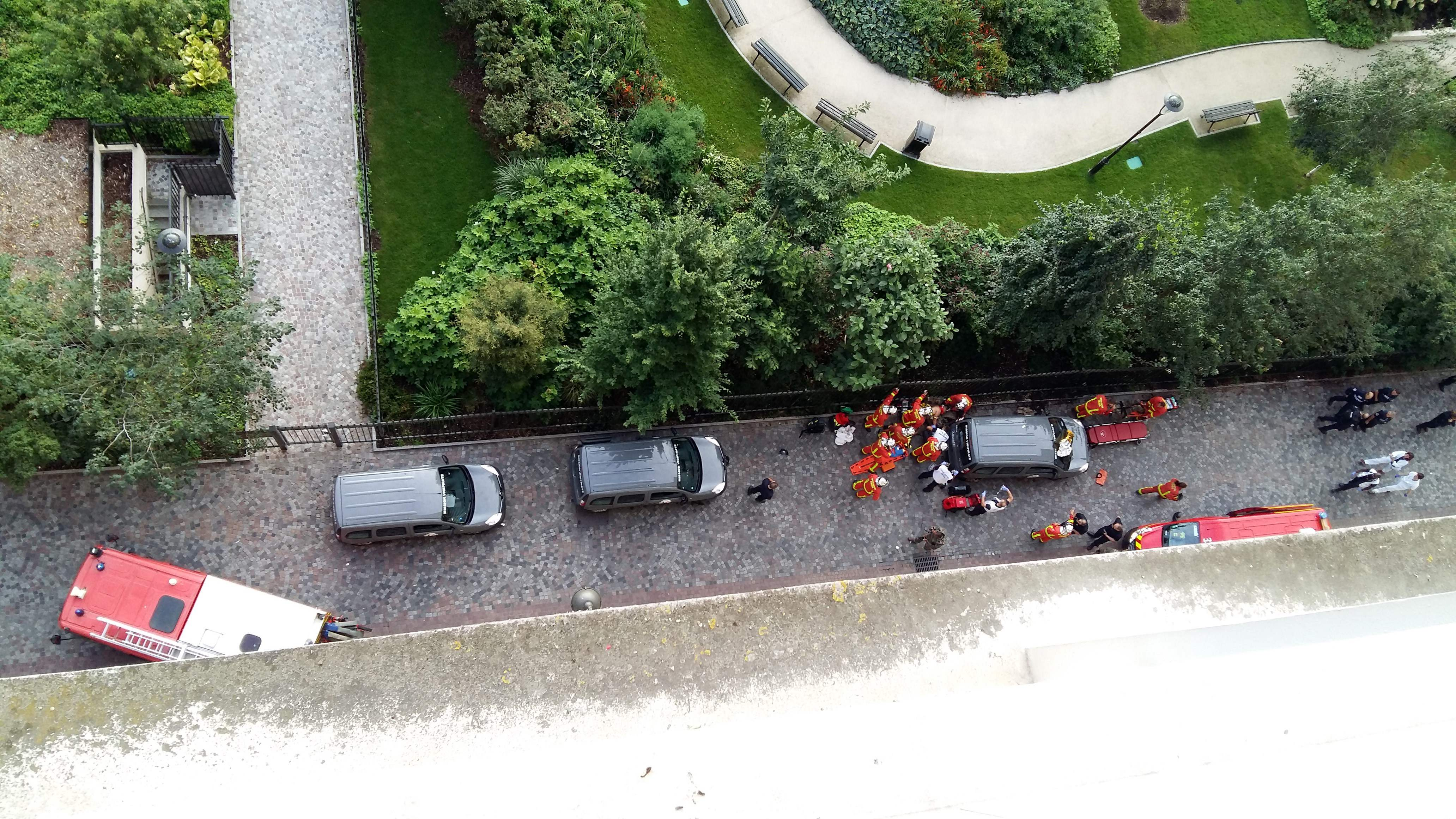 تواجد الشرطة الفرنسية بالموقع