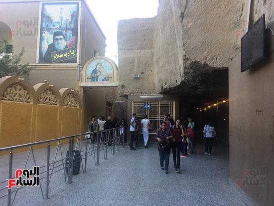 مدخل-المغارة--بدير-العذراء-بجبل-درنكه