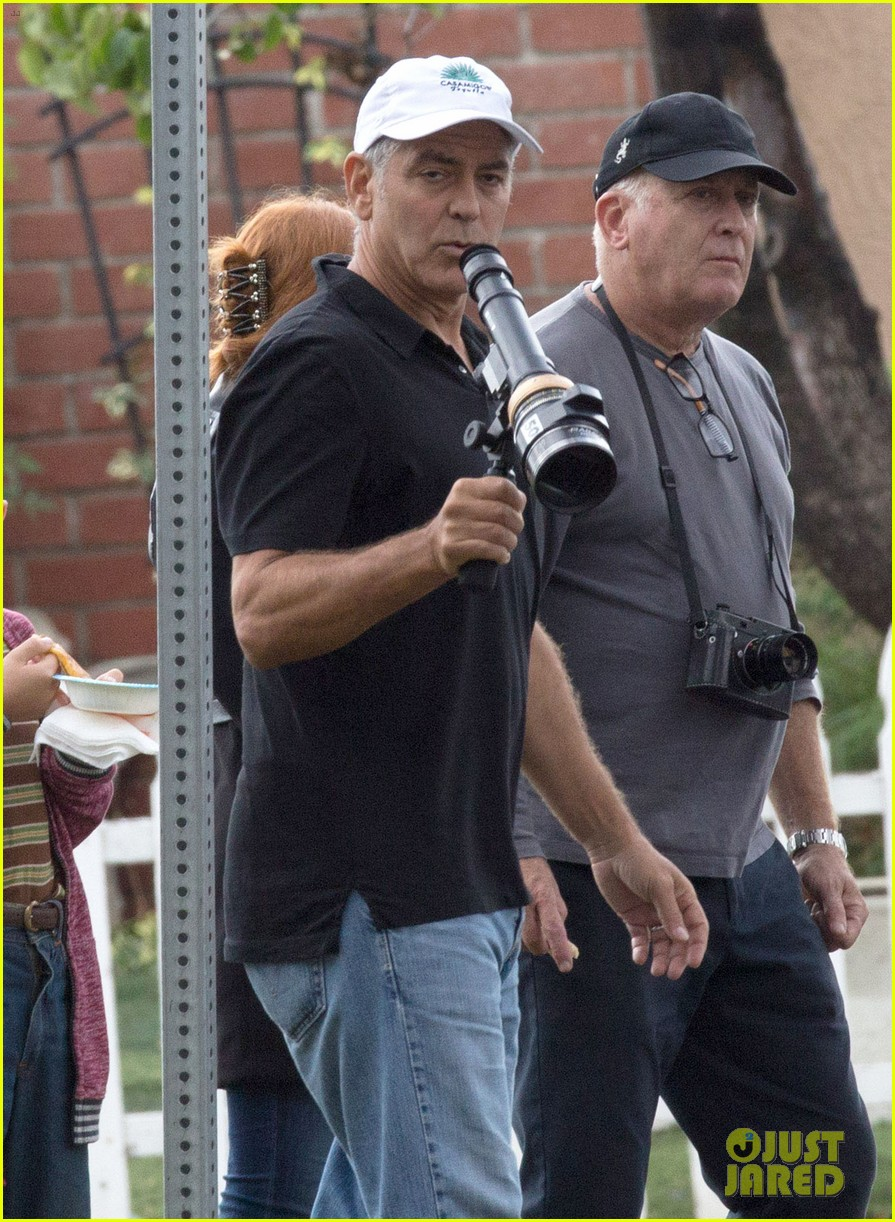 george-clooney-directs-julianne-moore-suburbicon-01