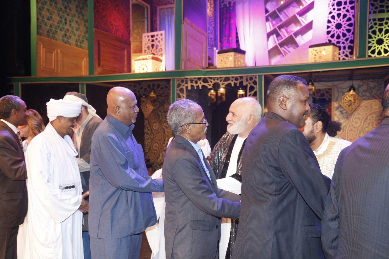 وفد من الخارجية السودانية فى مسرحية قواعد العشق الأربعين (6)
