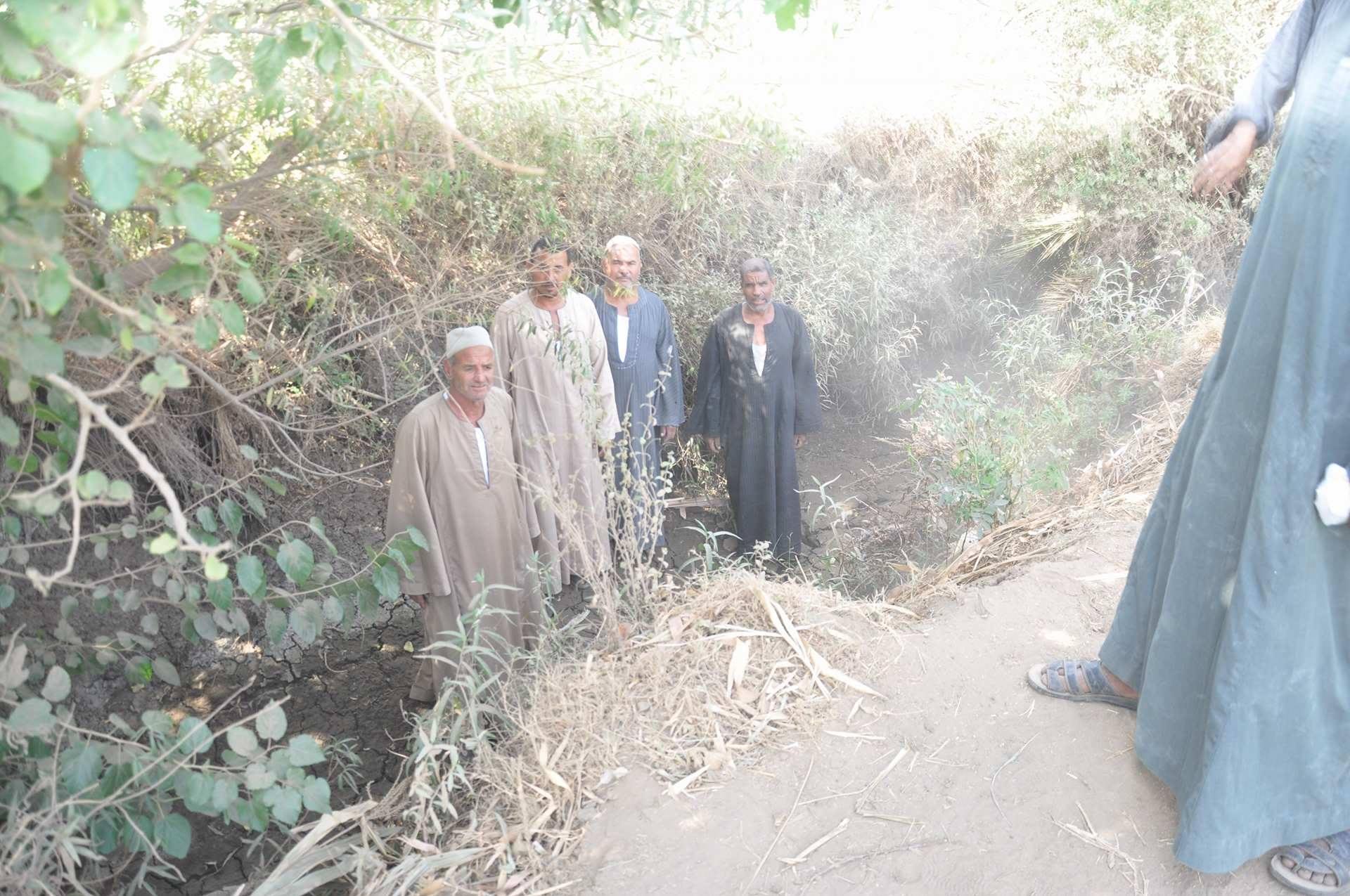 معاناة فلاحو المنشاوية من نقص مياه الرى (2)