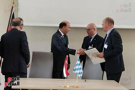 مهاب مميش - توقيع اتفاقيه البافاريا (2)