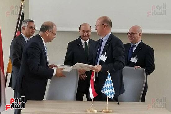 مهاب مميش - توقيع اتفاقيه البافاريا (1)