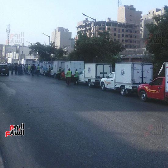 أسطول سيارات ائتلاف حب الوطن لبيع السلع الغذائية (4)