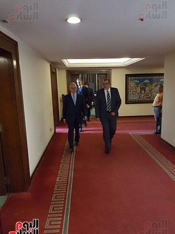 السفير الإيطالى خلال وصوله مقر وزارة الخارجية