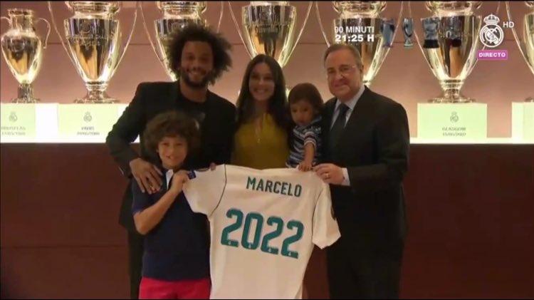 عائلة مارسيلو بعد توقيع العقد