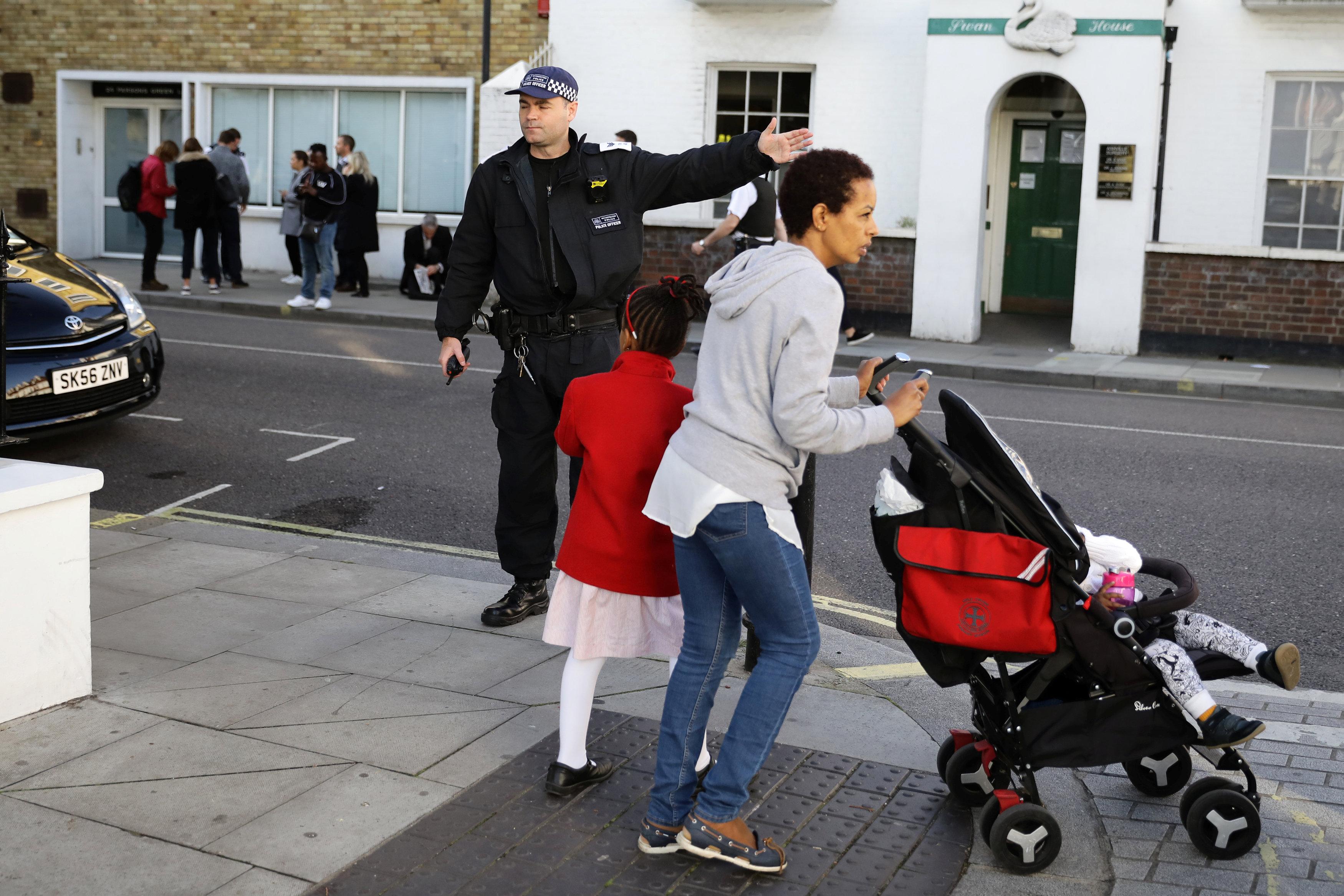 الشرطة تؤمن موقع الانفجار