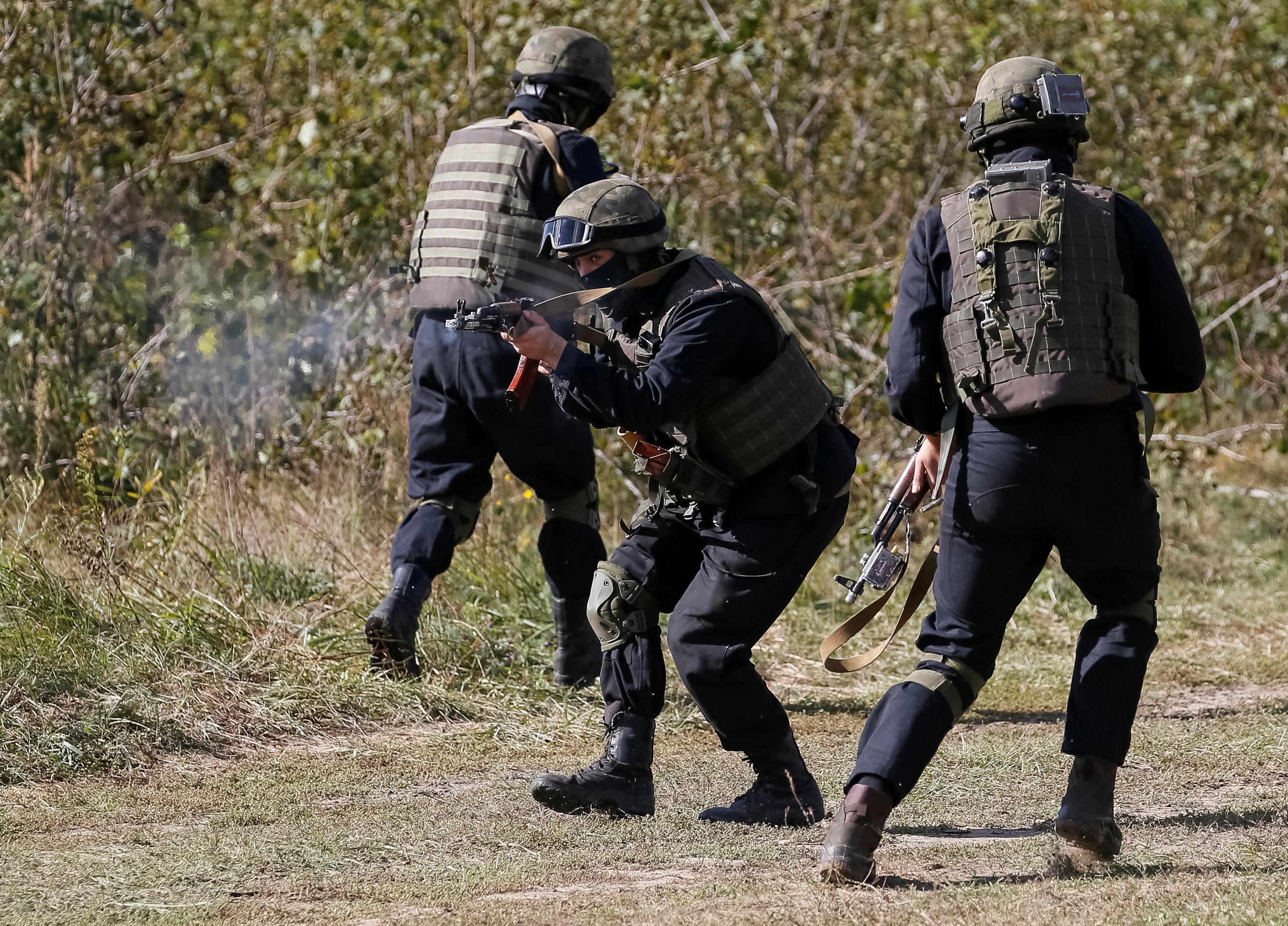 جنود أوكرانيون فى المناورات