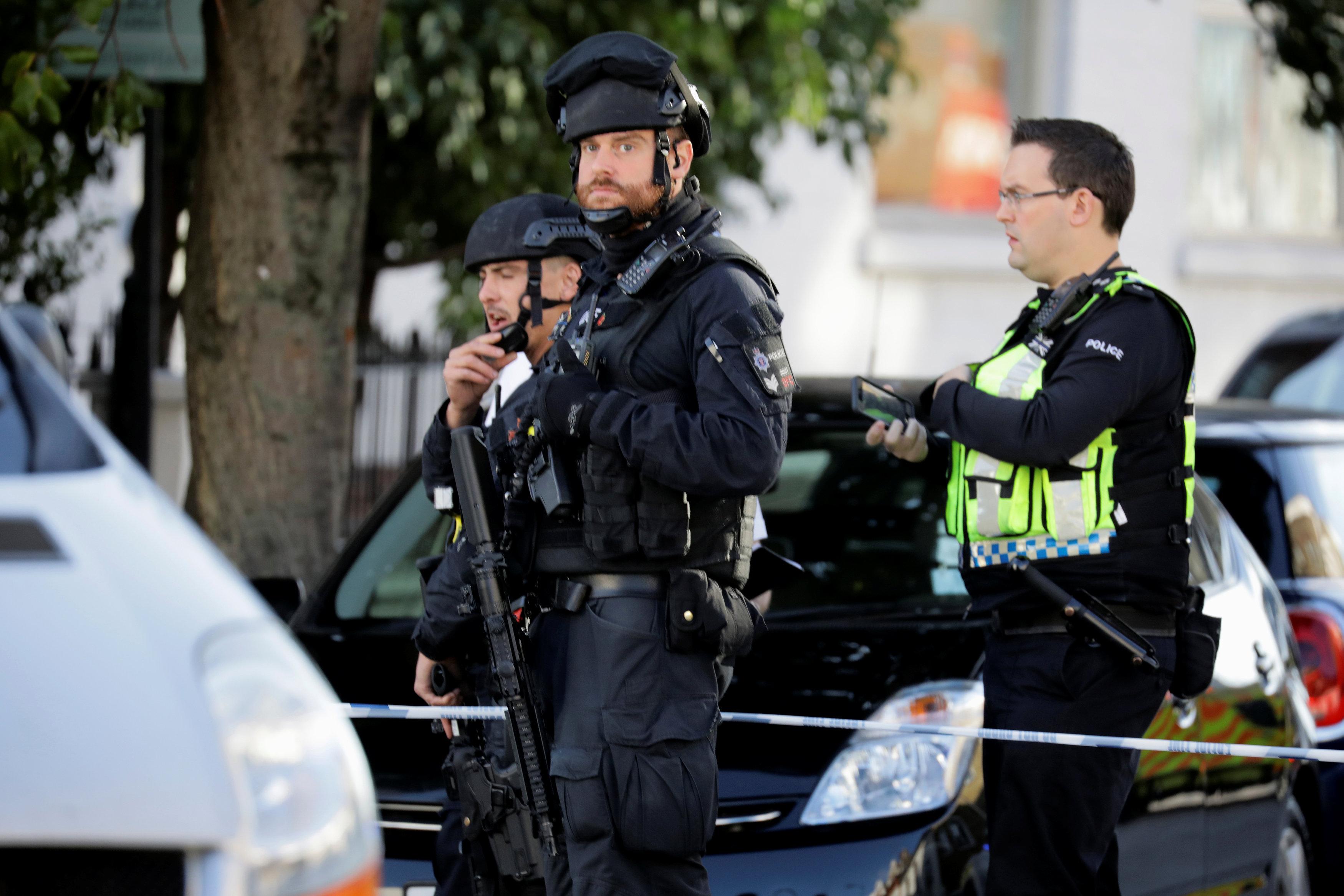 إجراءات أمنية مشددة فى موقع انفجار مترو أنفاق لندن