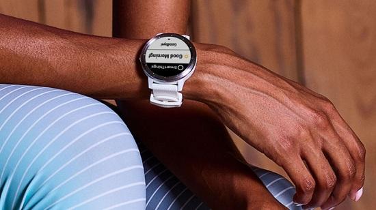 ساعة Garmin Vivoactive 3