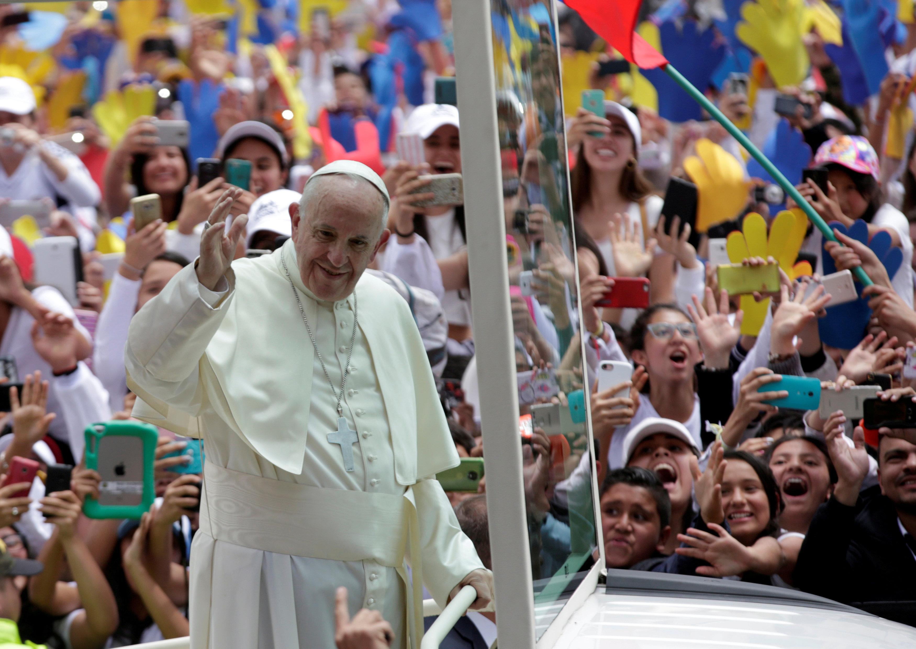 البابا في كولومبيا