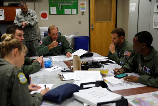 اجتماع لسلاح الجو الأمريكى لبحث الاستعدادات لإعصار إرما فى فلوريدا