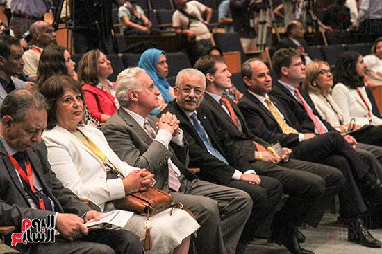 مئات المعلمين يشاركون فى مؤتمر علمنى بحضور وزير التعليم (1)