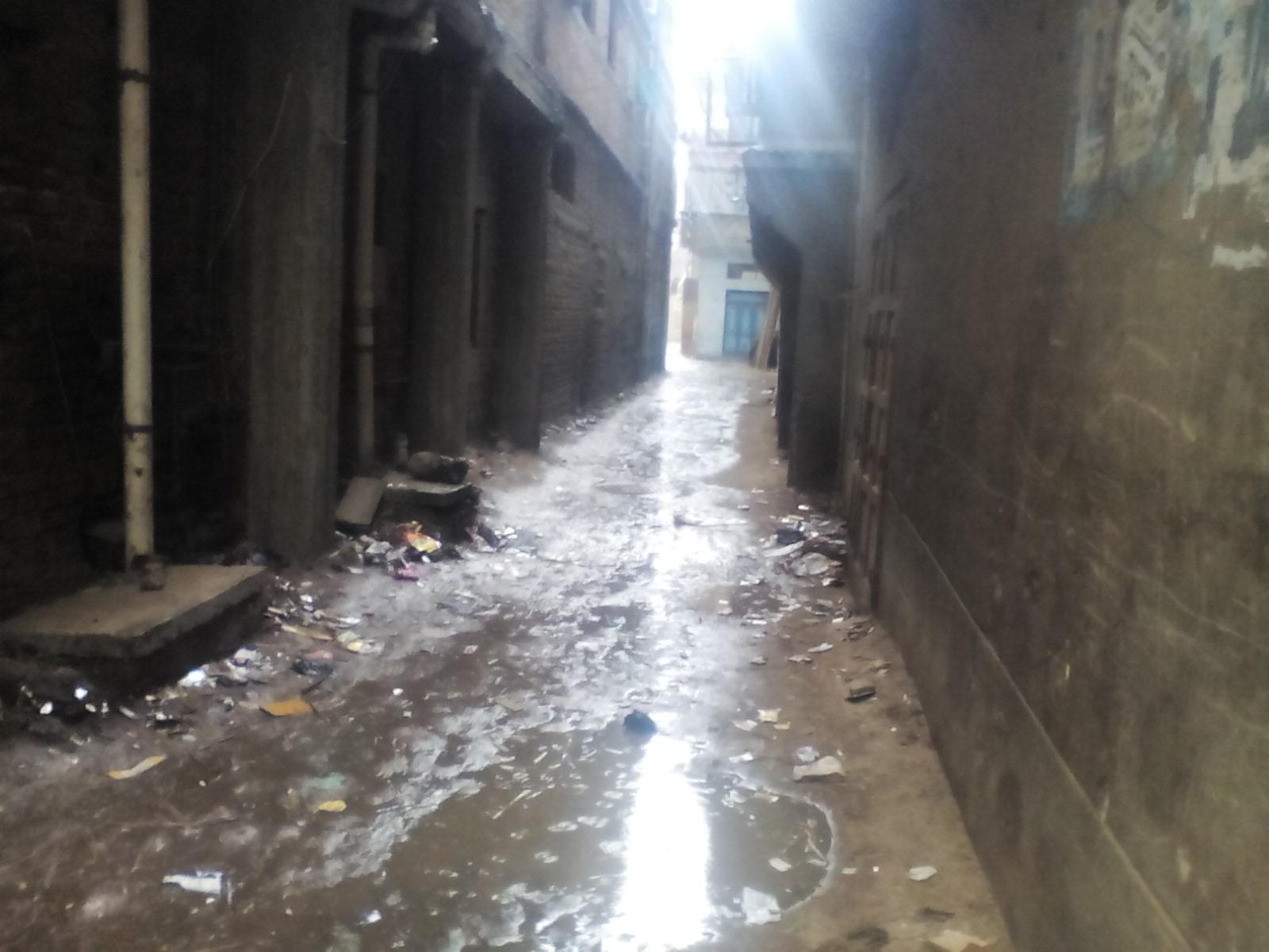 تجمع مياه الامطار بالشوارع