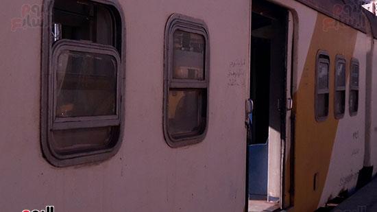 تهالك عربات القطار