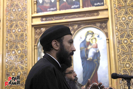 الآلاف يؤدون صلاة قداس رأس السنة بكنائس الإسماعيلية (3)
