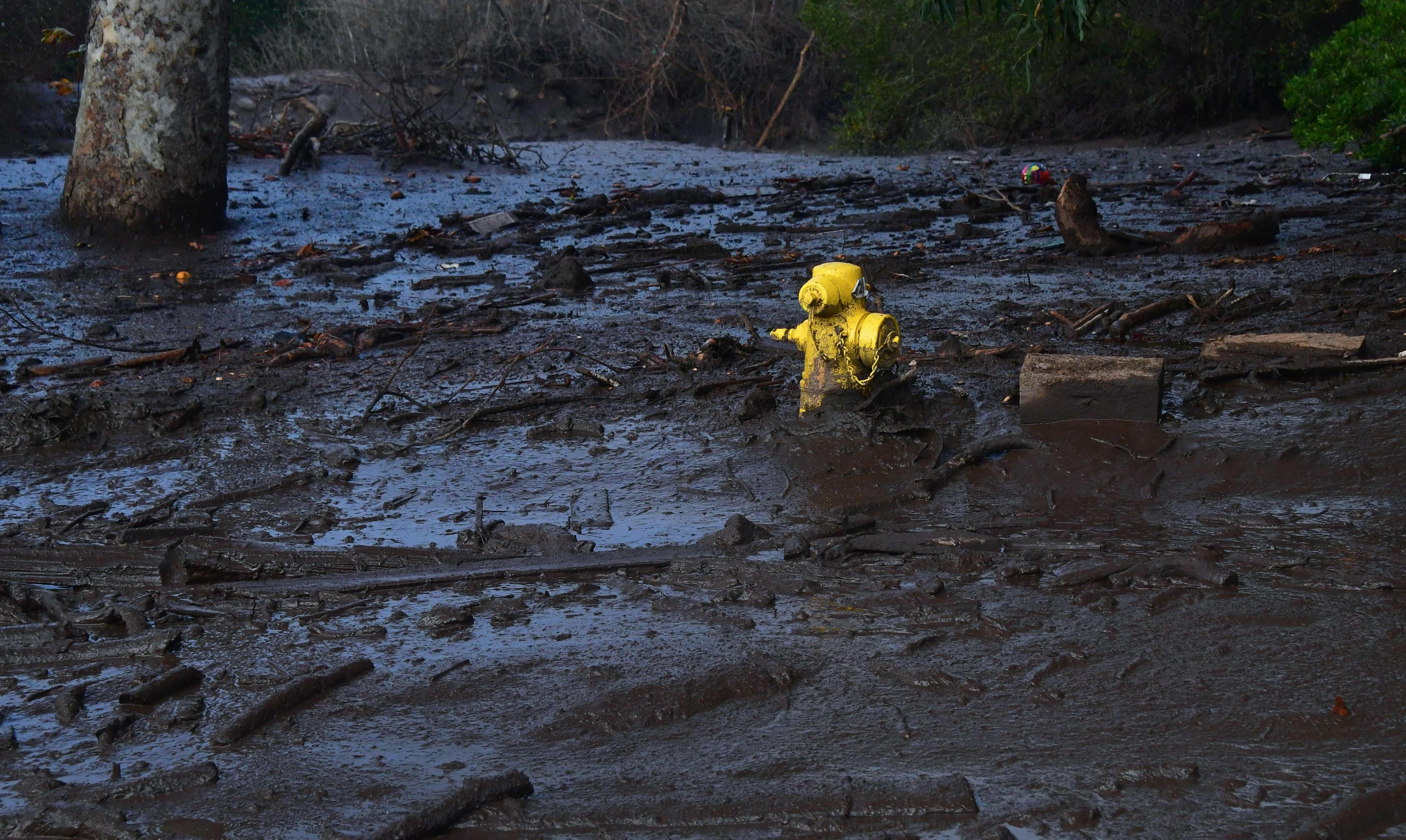 السيول والانهيارات الطينية