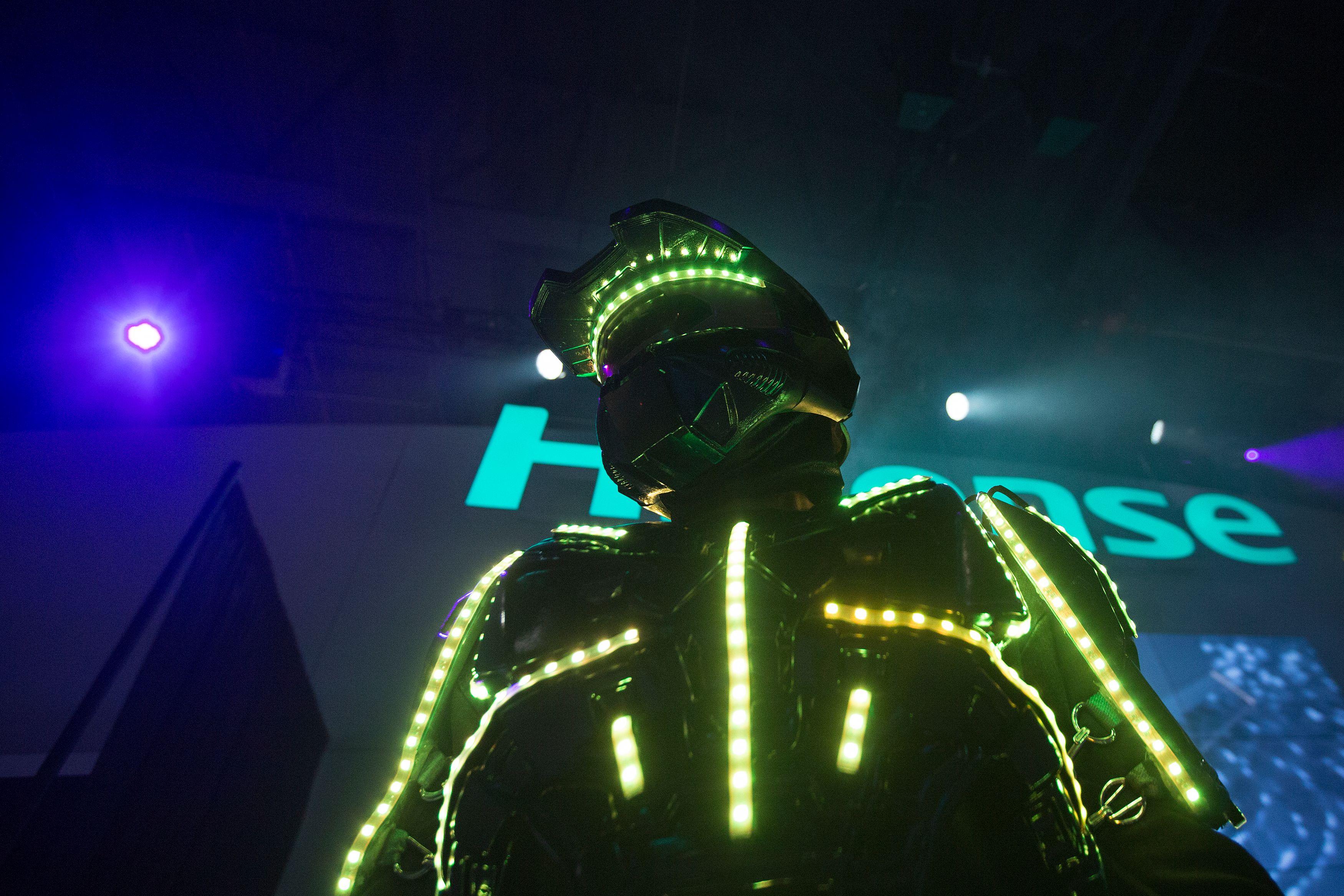 روبوت فى المعرض الدولى