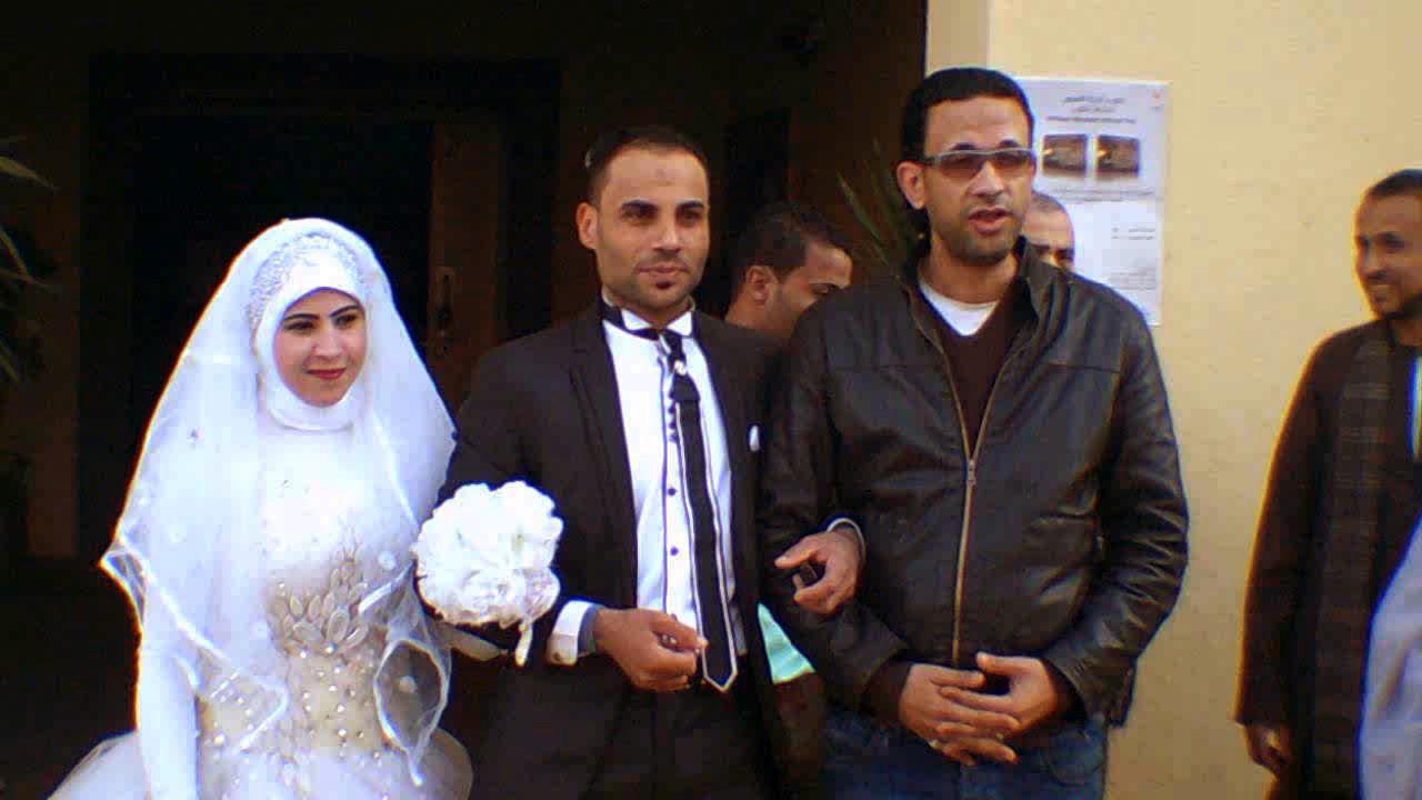 احتفال عرائس وعرسان بزفافهم داخل متحف ملوى (9)