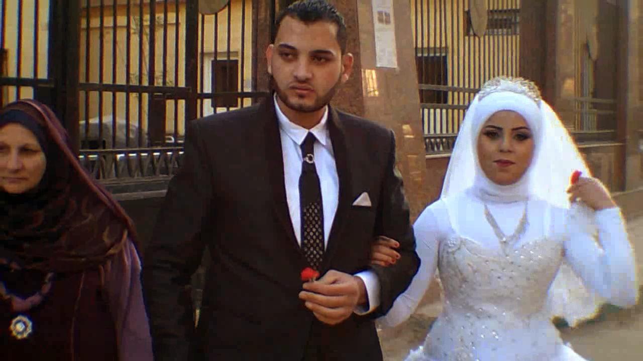 احتفال عرائس وعرسان بزفافهم داخل متحف ملوى (1)