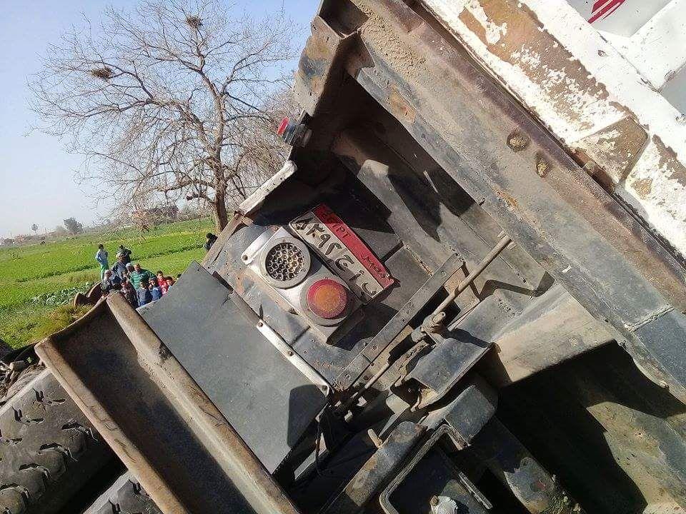 تصادم سيارات بطريق قناطر بولين بالبحيرة (4)