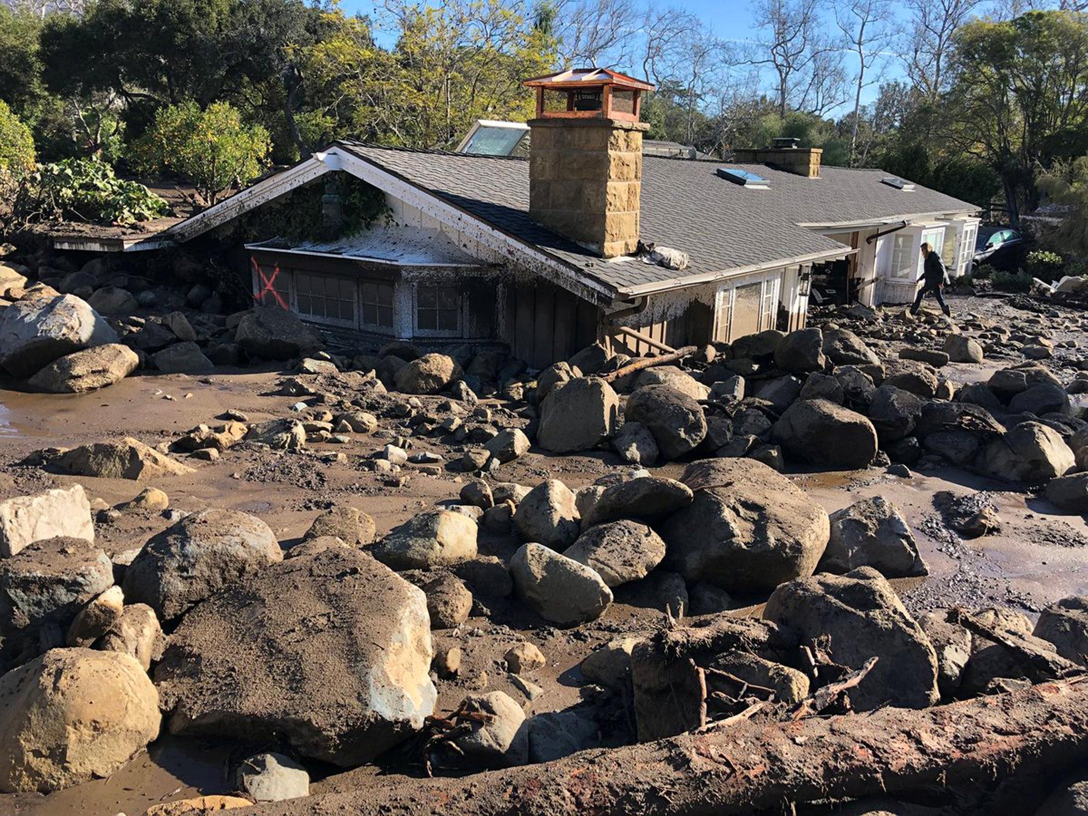 جانب من دمار فيضانات كاليفورنيا
