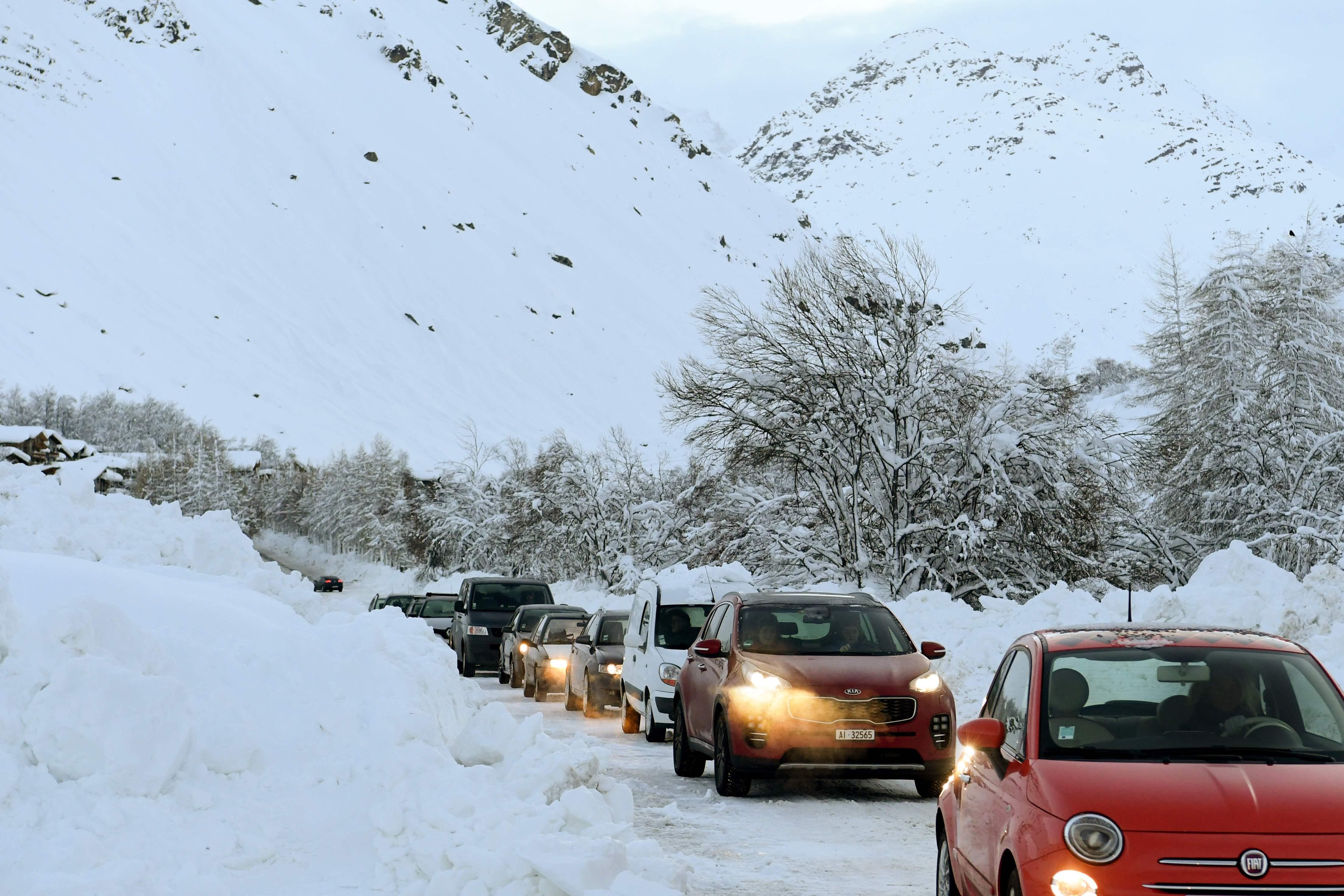 انهيارات ثلجية تشل حركة المرور فى فرنسا