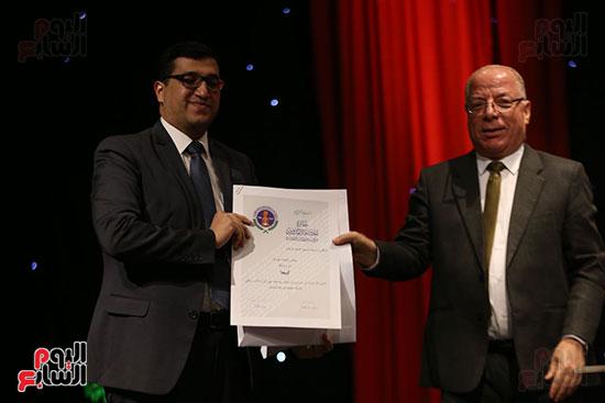 وزير الثقافة يكرم الفائزين بجائزة إحسان عبد القدوس (11)