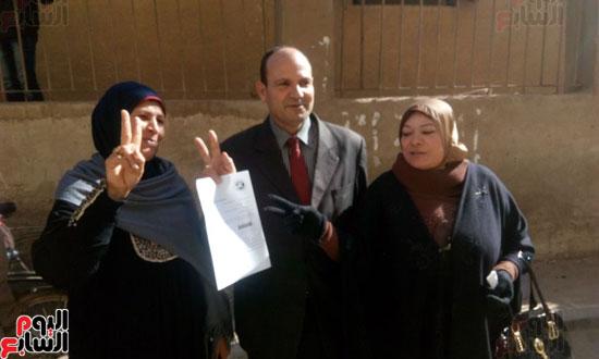 المواطنون يعلنون تأييد الرئيس السيسى قلبا وقالبا