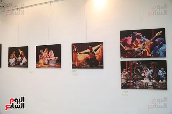صور..  منى عبد الكريم تصنع البهجة فى ألوان الهند  (2)