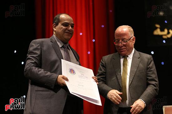 وزير الثقافة يكرم الفائزين بجائزة إحسان عبد القدوس (7)