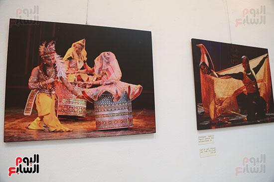 صور..  منى عبد الكريم تصنع البهجة فى ألوان الهند  (16)