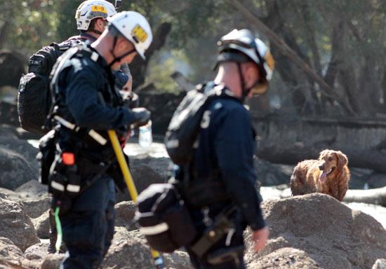 استمرار البحث عن مفقودين فى كاليفورنيا بعد مصرع 17 شخصا بسبب الفيضانات