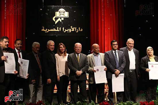 وزير الثقافة يكرم الفائزين بجائزة إحسان عبد القدوس (1)