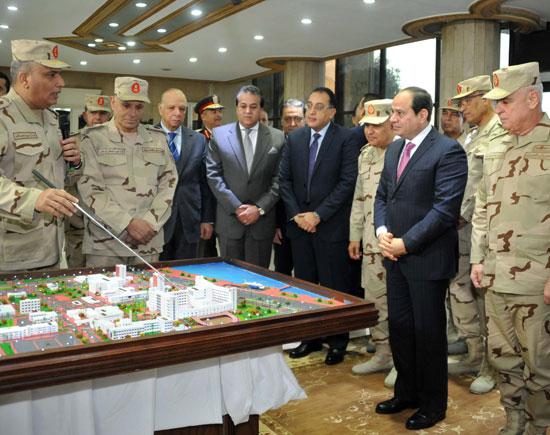 افتتاح السيد الرئيس لأعمال تطوير المجمع الطبي للقوات المسلحة بالمعادي (1)