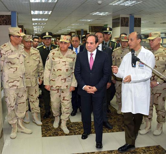 افتتاح السيد الرئيس لأعمال تطوير المجمع الطبي للقوات المسلحة بالمعادي (3)