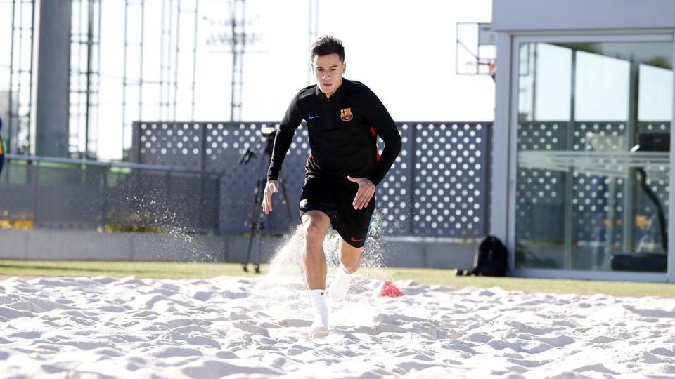 كوتينيو لاعب ليفربول السابق فى مراحل التأهيل مع برشلونة